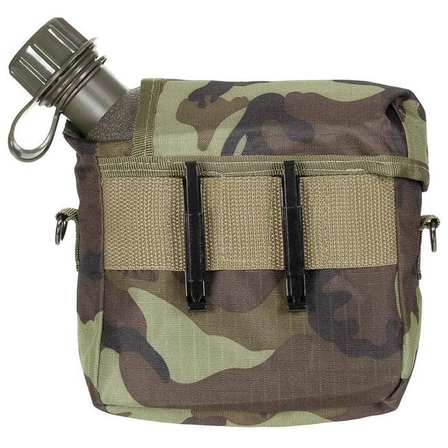 US bottle, 2 qt., angular, with cover, M 95 CZ camo