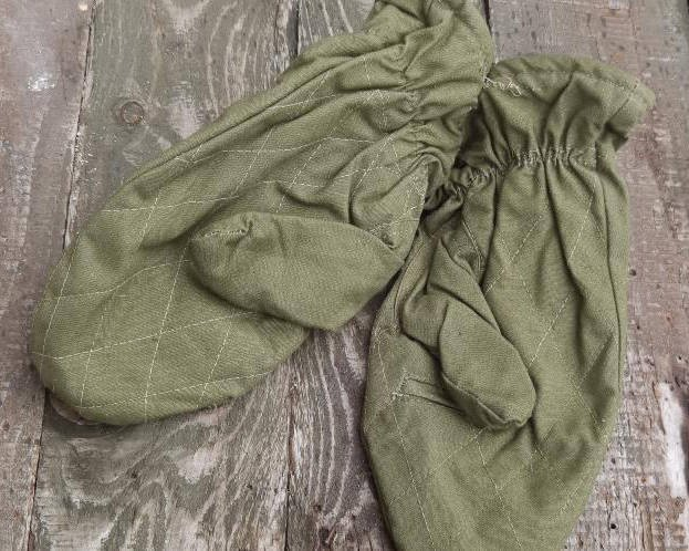 Green gloves - Romanian Army Surplus